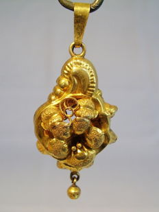 Antique Victorian gold pendant with a rocaille shape handmade