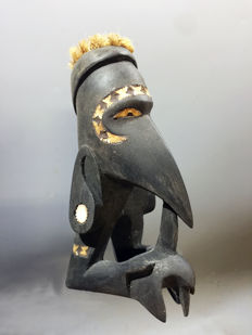 superb war canoe figure - NEW GEORGIA ISLAND - Solomon Islands