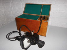 Antique English Foster Optical Pyrometer, in it's original case with a battery, a very rare item, in nice condition