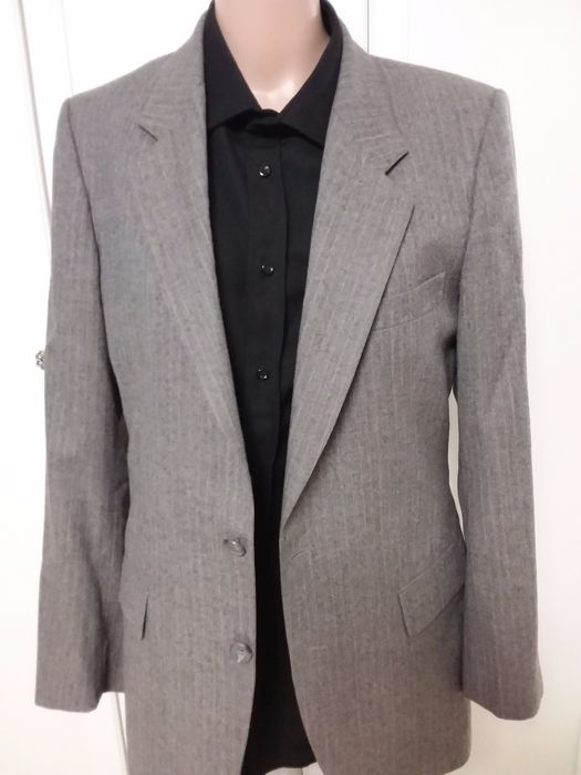 436b8ae632d Yves Saint Laurent - Men's suit - Made in France - Catawiki