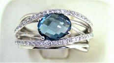 Ring made of 18 kt gold with London topaz and diamonds, size 15 - Free size adjustment