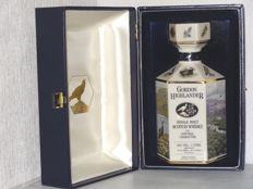 Gordon Highlander Wildlife decanter 12 years old, 1980s