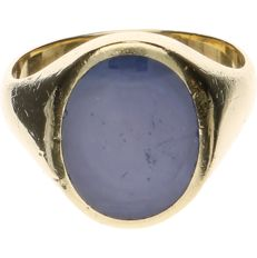 14 kt yellow-gold signet ring, set with star sapphire - ring size: 19.75 mm