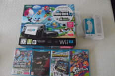 WiiU Super Mario Bros edition boxed. 32 GB  including control ,  nunchuck and 4 games in box