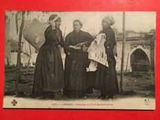 France - Selection of 31 postcards on the theme of washerwomen