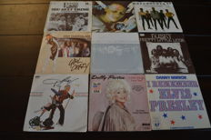 54 singles from the 70's and 80's Records in NM quality, many hard to find