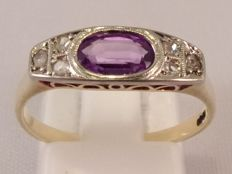 14 kt yellow gold Art Deco ring with alexandrite and 6 diamonds