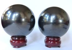 Lot of 2 Shungite spheres - 7.4 and 7.6 cm - 961 g (2)