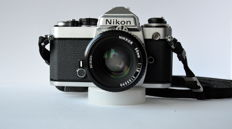 Beautiful Nikon FE with 50 mm 1: 1.8 Nikkor
