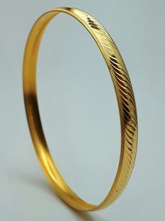 4 g 22 Ct Fine Gold Ladie's Bullion Bangle, *** LOW RESERVE ****