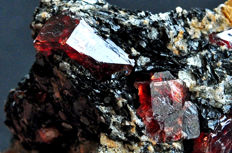 Intense red Zircon crystals on matrix - 5.4 X 5.3 X 4.1 cm - 115 gm