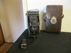 Vintage camera with Vario shutter, with Rhaco motif viewfinder