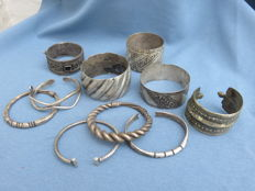 Collection of 10 decorated bracelets from the Hill tribes - Golden Triangle - South East Asia/Morocco - 20th century