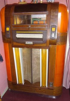 MILLS jukebox from 1940