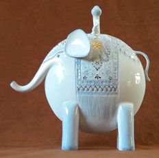 Special, contemporary-style sculpture of an Indian elephant with rider - hand-painted - marked