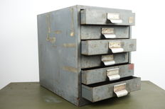 Industrial metal chest of drawers with 6 drawers