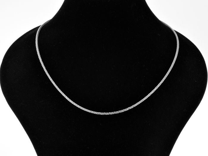 """18k Gold Necklace. Chain """"Wheat"""" - 44,5 cm. Weight 3.97 g. No reserve price."""