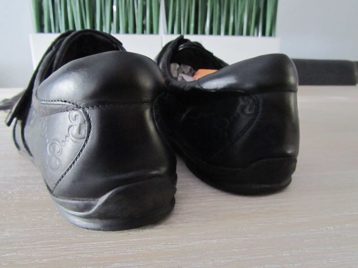 1bb29ccd0 Gucci - Leather Signature Double Velcro Sneakers - Catawiki