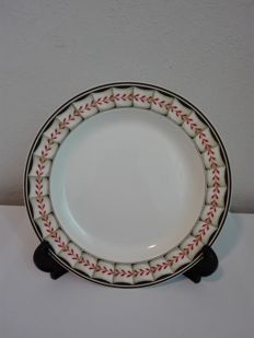 Wedgwood - 18th century creamware 'Lag and Feather' plate