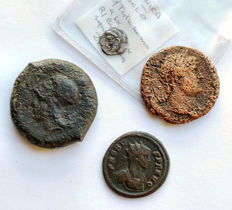 Greek and Roman -  Lot 4 pieces. Ae. Ar