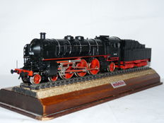 Trix Express H0 - 2407 - Steam locomotive with tender BR 18 of the DB