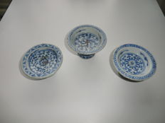 3 blue and white salt cellar's - China - 19e eeuw.