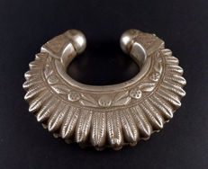 Old silver bracelet from Gujarat, India - first half XXth c.