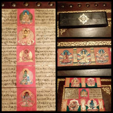 Ancient Tibetan manuscripts with illuminated miniatures, complete with original box - late 18th century