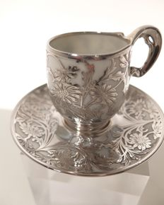 Saucer and cup, KPM, Berlin, Germany, Art Nouveau 1890-1910, very detailed decoration with solid silver inlay