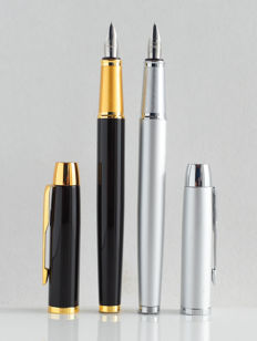 Parker: 2 x luxury Sonnet fountain pens: gloss black and soft-silver with gold plated and chrome accents, with Parker gift box (P104 (2))