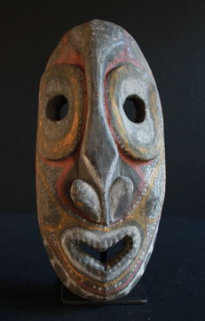 Rare cult house mask of the KWOMA people from the Washkukgebiet of Upper Sepik, PNG