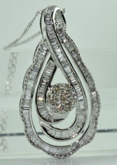 Necklace and pendant in 18 kt white gold set with 185 diamonds totalling around 4.20 ct *** NO RESERVE PRICE ***