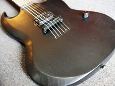 Bach Shark SG model limited edition, All Black