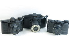 Lot of 3 bakelite cameras: two Karl Pouva START and one Boyer PHOTAX, circa 1958-65