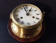 A beautiful ship's clock dial diameter 14 cm, signed with Aug. Schatz & Sohn-Germany - 20th century