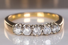 0.52 Ct magnificent diamond row ring - Size: 53 - No Reserve price!