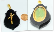 Onyx locket with 18 kt gold and diamonds - 19th century