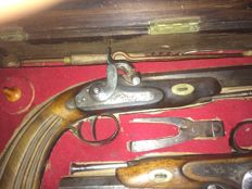 French chest of duelling pistols
