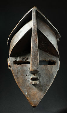 Initiation mask - LWALWA - Democratic Republic of the Congo