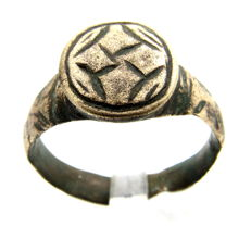 Holy Land - Knight's period religious ring with stylized Star of Bethlehem - Wearable Gift with Gift Bag - 19 mm