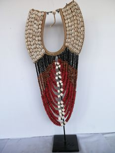 Seashell necklace on standard - Latmul, Papua New Guinea - early 21st century