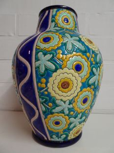 Raymond Chevalier for Boch Frères Keramis - Large Art Deco vase with enamelled decor of stylised flowers