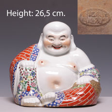 Large porcelain statue of a laughing Buddha - China - Replica of a Zhu Maoji - late 20th century