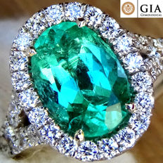 18K White Gold Cocktail Ring with Green Colombian Emerald in 18 kt White Gold And Diamond 2.62 ct Size 6.5 – GIA Certified – No Reserve