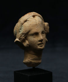 Hellenistic terracotta head of a woman - 59 mm