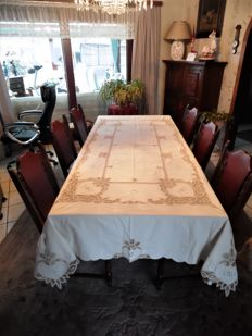Beautiful ecru Italian tablecloth with lace