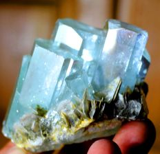 Terminated Gemmy & Natural Aquamarine Crystal Cluster with Muscovite Mica - 62 x 55 x 42 mm - 183 gm