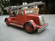 CKO-Kellermann, US Zone Germany - Length 17 cm - Tin fire engine 350 with clockwork motor, 1950s