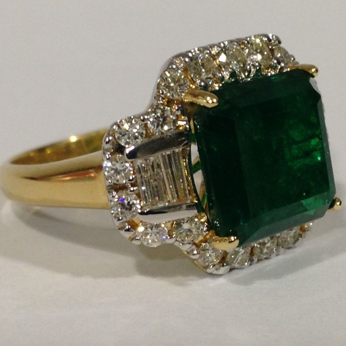 art deco style 18ct yellow gold emerald and diamond ring