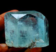 Damage Free Double Terminated Natural Gemmy Aquamarine Crystal - 52 x 40 x 37mm - 157 gm